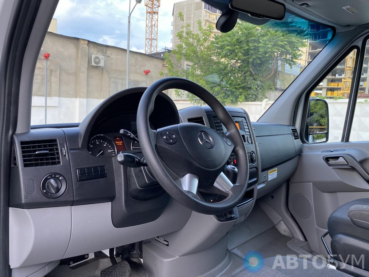 Авто Mercedes-Benz Sprinter 2016 года фото 8