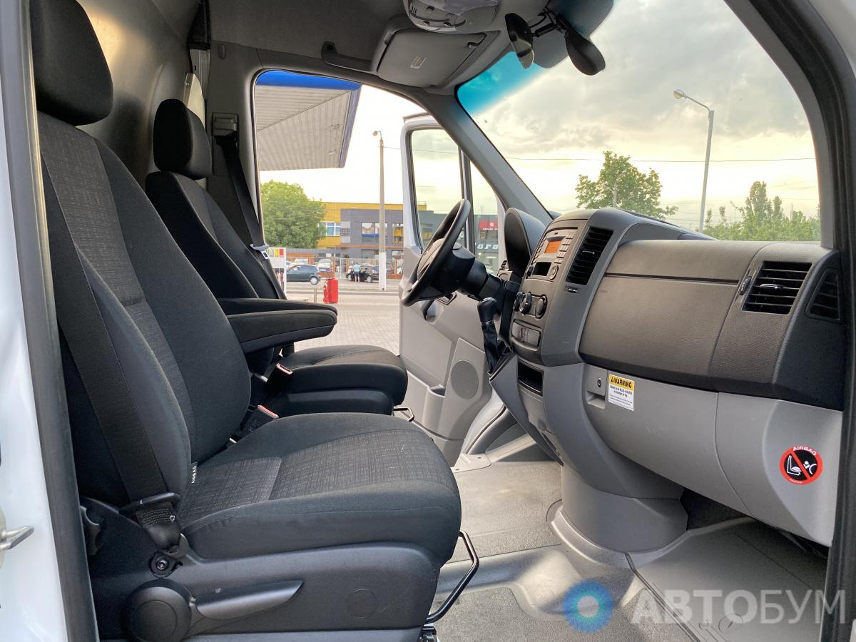 Авто Mercedes-Benz Sprinter 2016 года фото 10