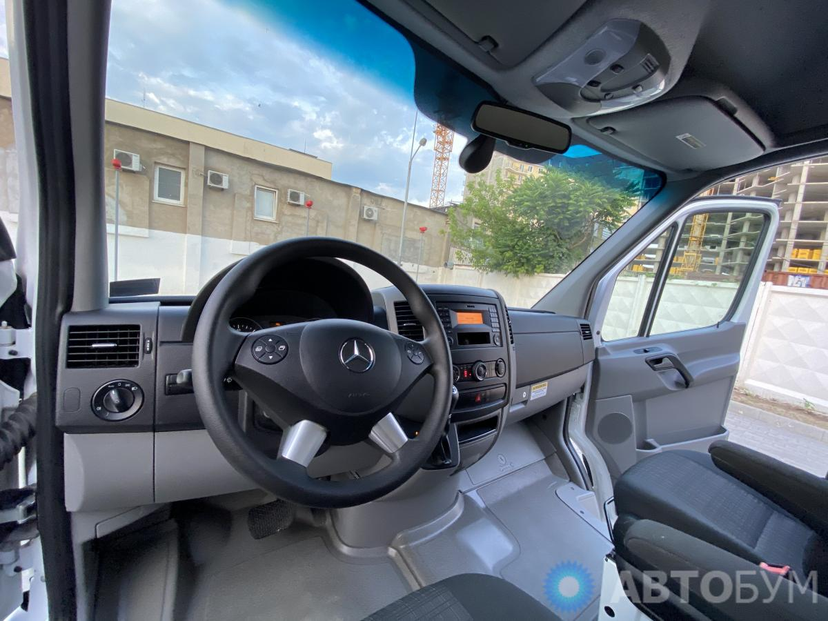 Авто Mercedes-Benz Sprinter 2016 года фото 12